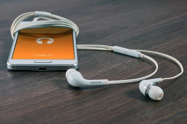 mobil a sluchátko