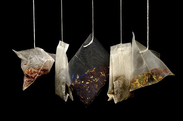 pět čajových sáčků