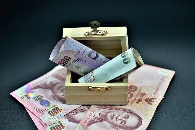 truhlička s penězi